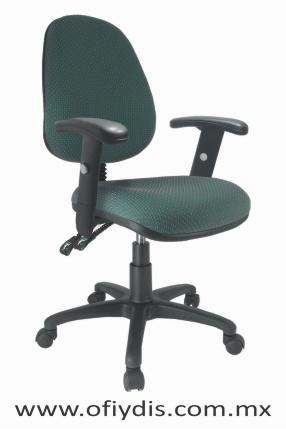 silla operativa para escritorio base negra con brazos E-13561