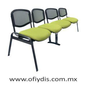 """Banca de espera 4 plazas, patas ovalada 2"""" negra, respaldo en malla, asiento tapizado en tela o vinil. E-47450 ofiydis"""